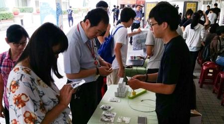 龍華科大舉辦「青年X手作創意市集」活動,打造創作同學與全校師生之創意交流平台,發掘新生代創意設計人才。